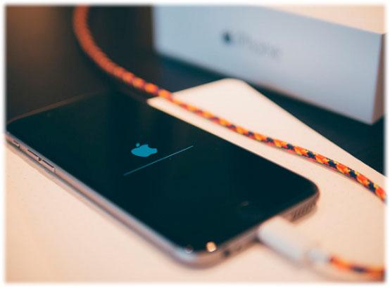 Повредил экран или корпус айфона? Не получается настроить сеть? Обратись за помощью к опытным профессионалам!