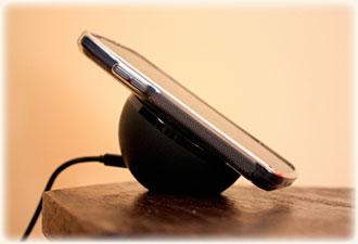 Беспроводная зарядка для смартфона. Почему ее нет в каждом  доме?